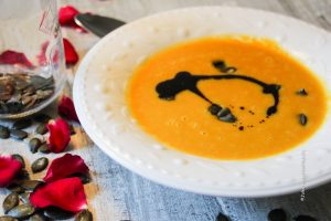 miso-geroestete-butternuss-kuerbis-suppe-3-jules-happyhealthylife