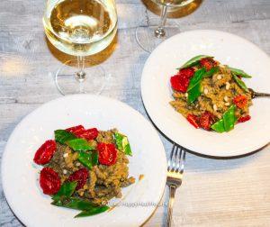 Rezept für vegane Pasta mit Tomaten Avocadosauce