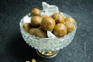 Sweets & Snacks - Peanut Butter Protein Bliss Balls vegan, gluten free - Jules HappyHealthyLife