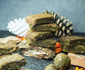 Süße durch Datteln und Erythrit für die Matcha Riegel mit gekeimtem Hanf glutenfrei