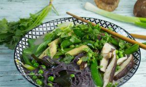 Tom Kha Gai with Lemongras and yumm broth