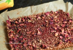 Schnitten oder Bällchen für Erdnussbutter Schoko Knusper Schnitten
