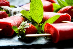 Recipe with fresh mint right from my garden for vegan Minty Strawberry Popsicles