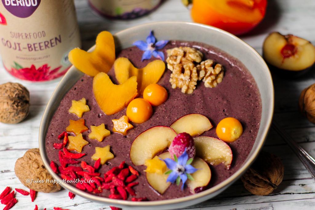 Power Frühstück Rezept mit Superfoods - Acai Bowl mit Maca