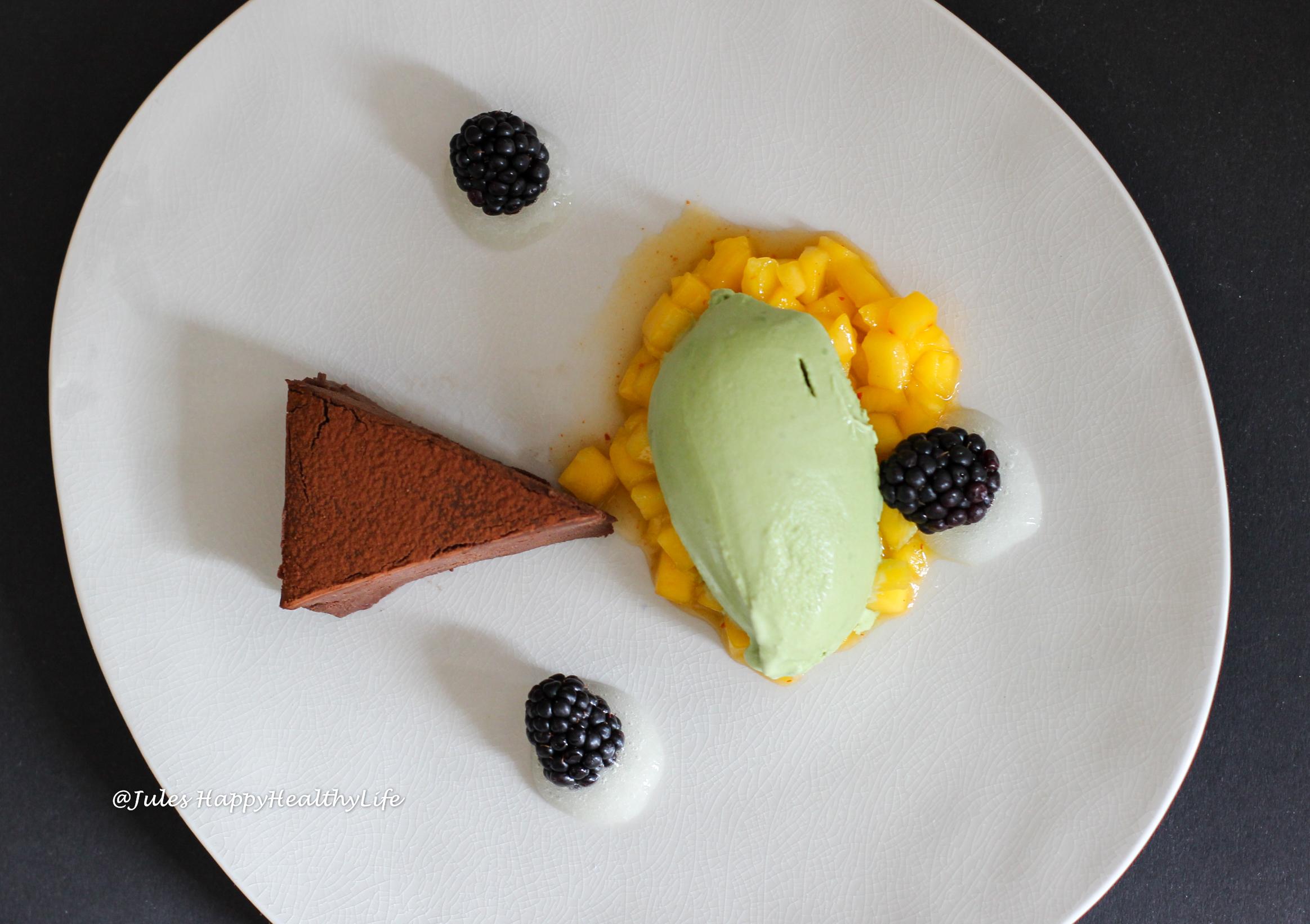 Mangokompott mit Chili, Zitronengel, Matcha Eis und Schoko Ganache Tarte