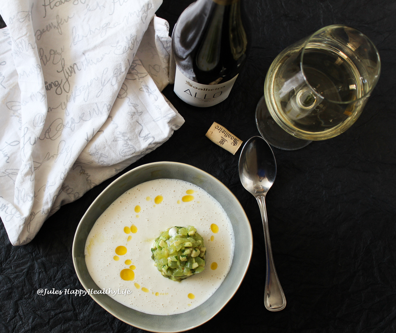 "Rezept für Mandel Gazpacho ""Ajo Blanco"" mit Trauben Avocado Tatar"