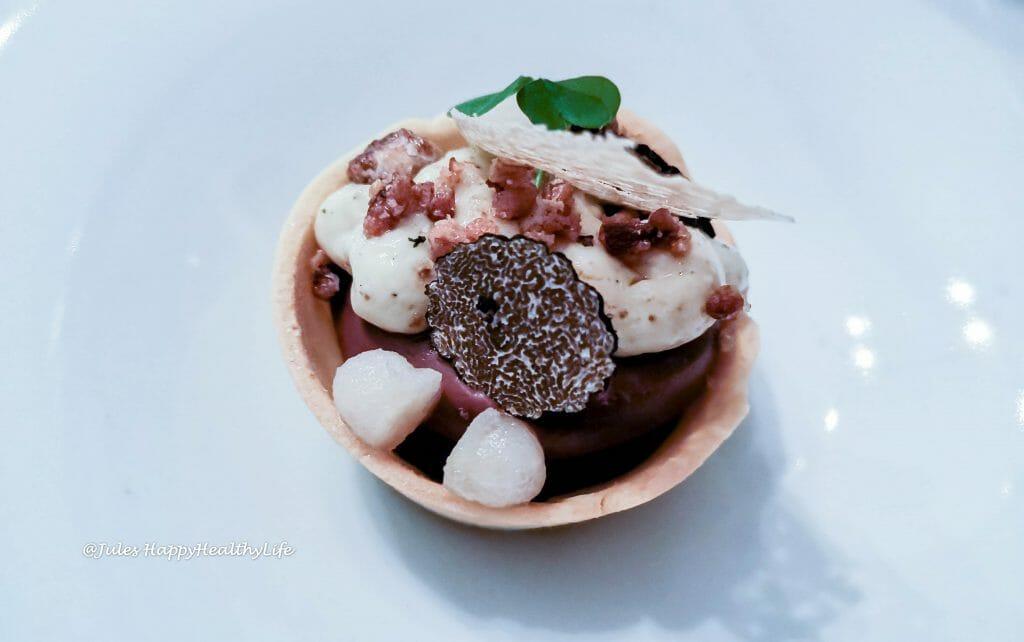 Dessert mit Schokolade, Trüffel und Olivenöl