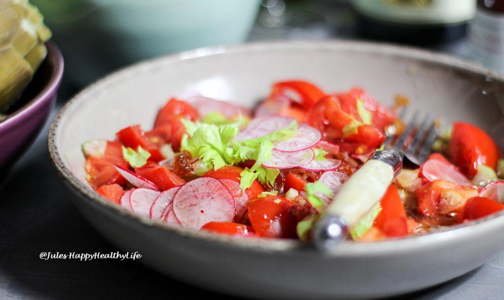Rezept für Tomatensalat mit Sellerie und Radieschen