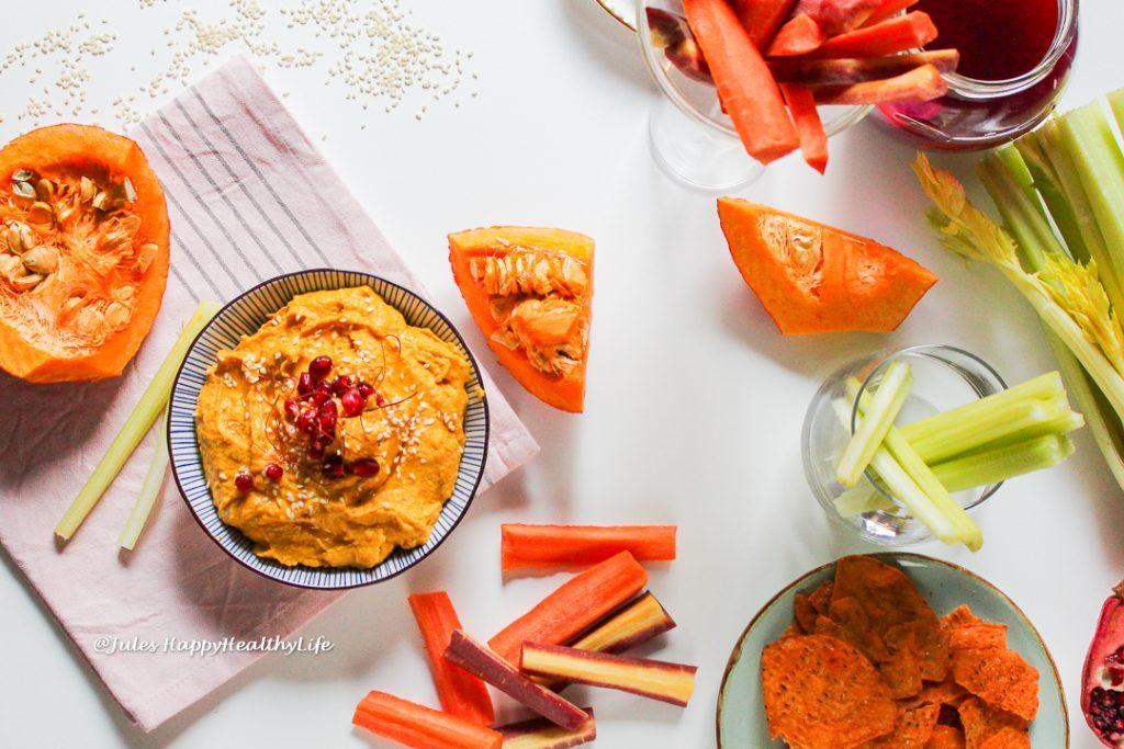 Curry Kürbis Hummus ist lecker und gesund