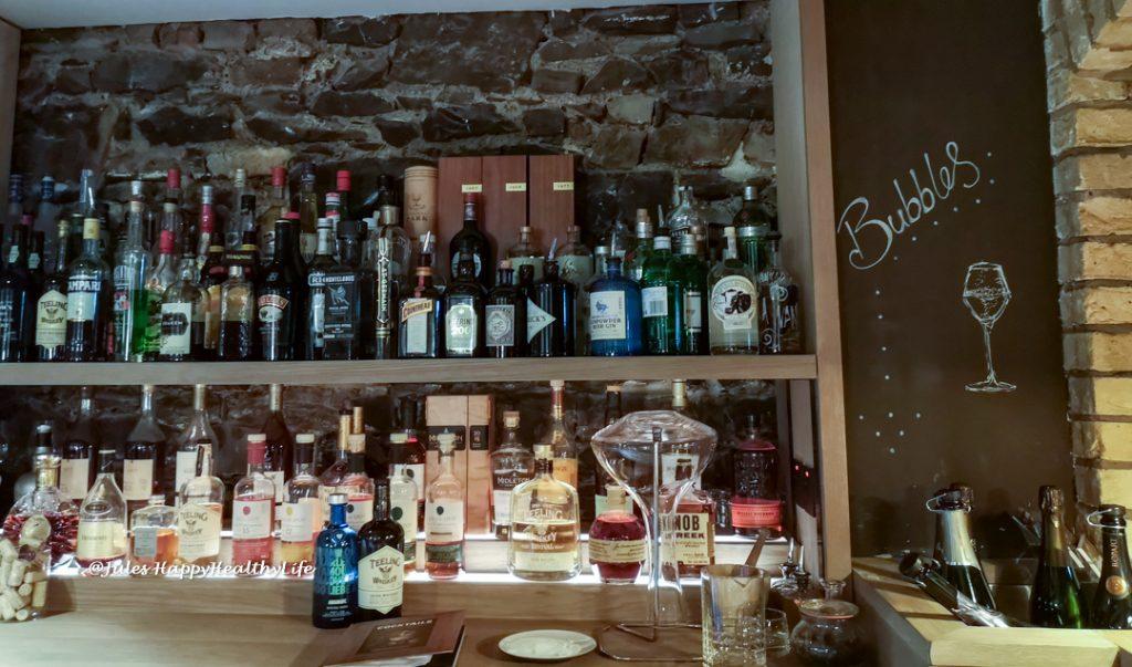 ely Winebar in Dublin bietet außerdem Cocktails und Longdrinks
