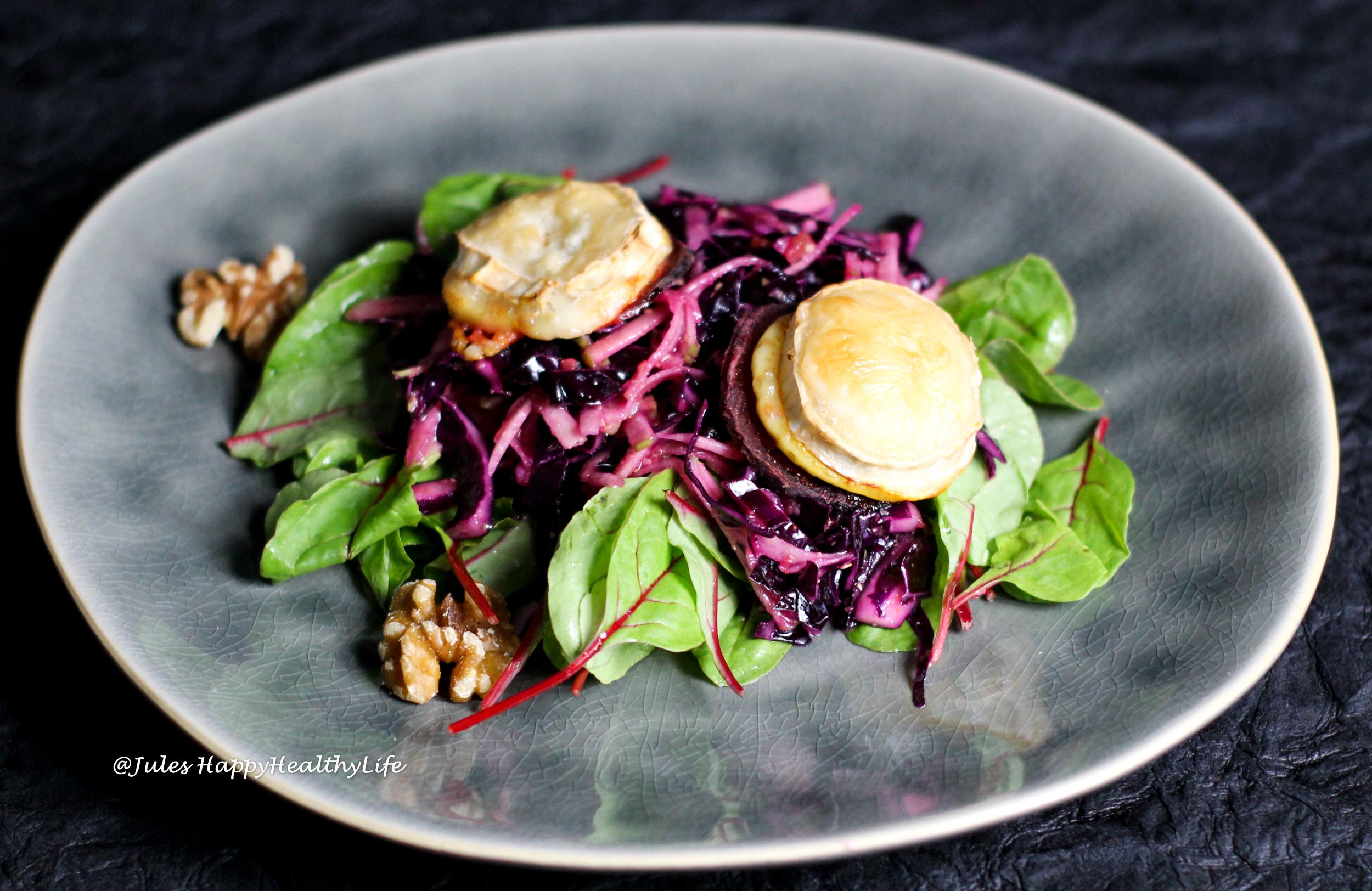 rotkohl apfel salat mit gebackenem ziegenk se jules happyhealthylife. Black Bedroom Furniture Sets. Home Design Ideas